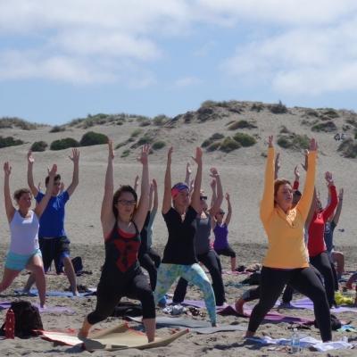 free-outdoor-yoga-ocean-beach-tony-eason-5