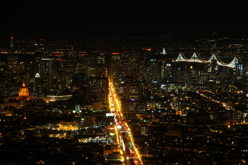 In-Pictures-San-Francisco-Night-Skyline-Giants-Colors-In-Support