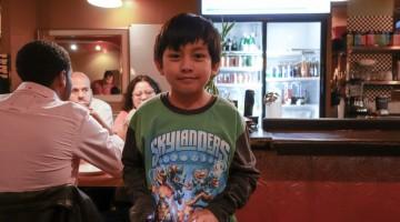 Young-boy-server-poc-chuc