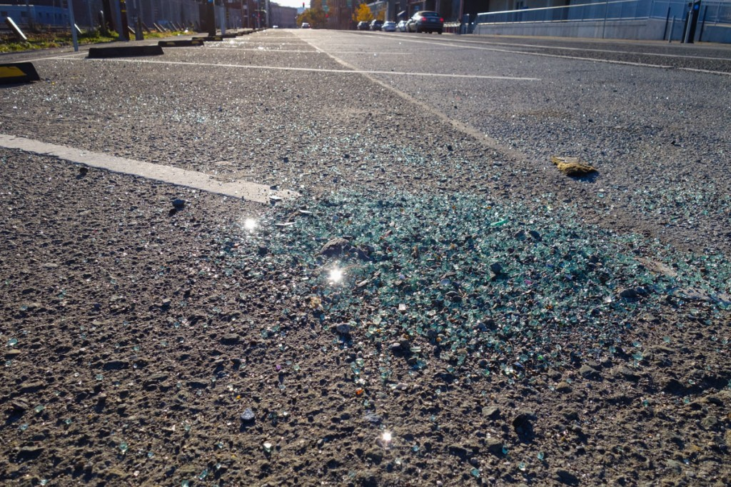 in-pictures-broken-glass-townsend-street-san-francisco